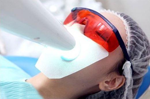 【伤牙又扎心】网传美白牙齿方法可信吗?打造珍珠贝齿还是得靠它