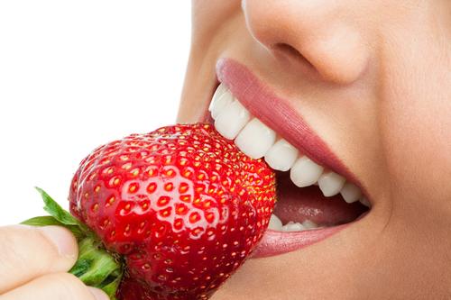 牙齿松动吃什么食物好?