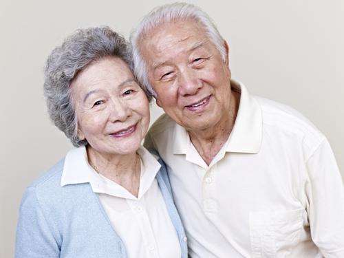 老人家做种植牙要注意哪些事项?