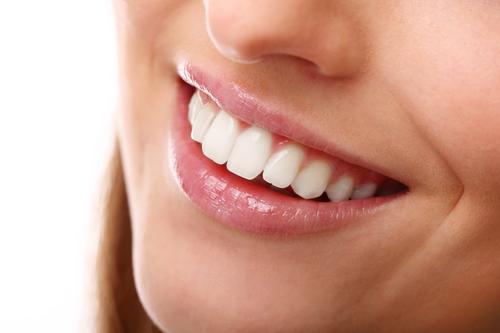 冷光美白牙齿有危害吗?