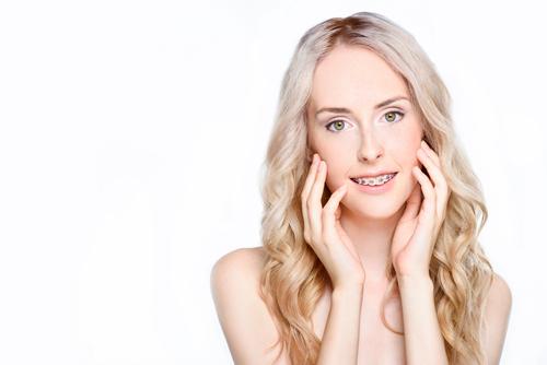 牙齿矫正一般要多少钱?
