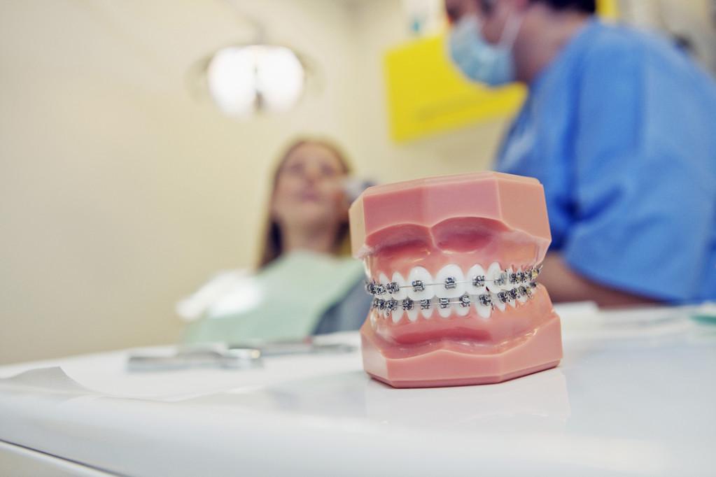 17岁可以矫正牙齿吗