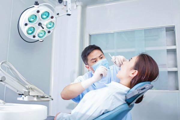 TMD!为什么打哈欠经常会咔咔响,一张嘴脸就疼?