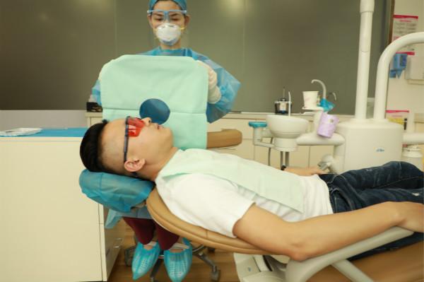 种牙矫牙贵?无惧疫期收入骤缩,他们找到这种方法看牙!